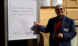 "Prof. Martin Weis na konferenci ""Spoutané církve"""