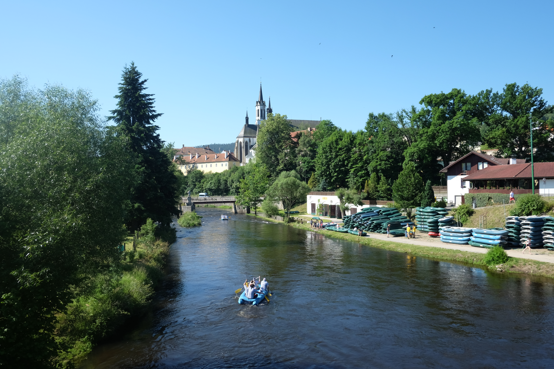 1. cisterciácký klášter Vyšší Brod směrem od Vltavy.JPG